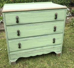 1930s Chest of Drawers Painted in Verde