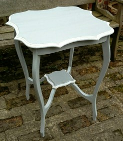 Painted Pie Crust Edge Small Round Table