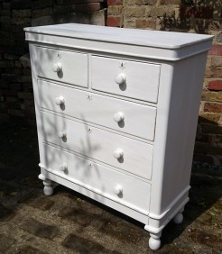 Large Victorian Pine Chest of Drawers