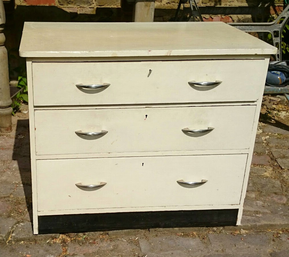 How to repaint a painted chest of drawers